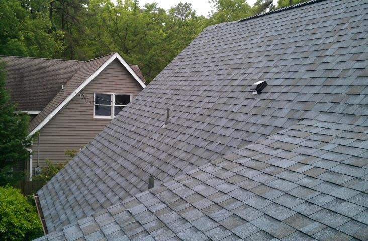 The commonly seen asphalt roof in Richardson TX