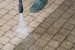Power washing concrete in Richardson TX
